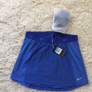 NWT Nike Dri-Fit  Golf Skirt with shorts. (M)